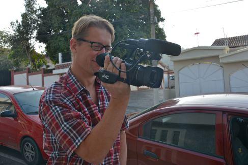 Pontus med kamera